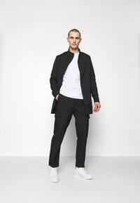 J.LINDEBERG - HOLGER LIGHTWEIGHTZIP - Classic coat - black - 1