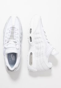 Nike Sportswear - AIR MAX - Sneakersy niskie - white/pure platinum/reflect silver/black - 1