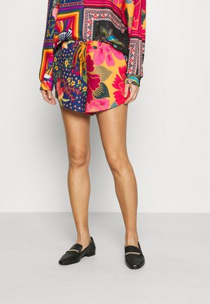 MIX SCARVES  - Shorts - multi