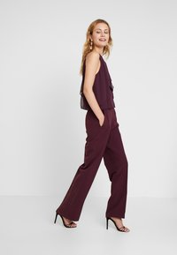 s.Oliver BLACK LABEL - OVERALL - Jumpsuit - soul cherry - 1
