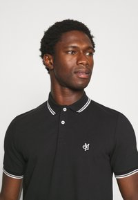 Marc O'Polo - SHORT SLEEVE CONTRAST TIPPING - Polo shirt - black - 3