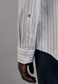 Seidensticker - Shirt - schwarz - 4