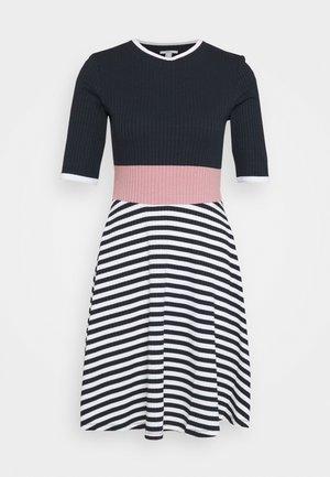 STRIPE DRESS - Strikket kjole - navy