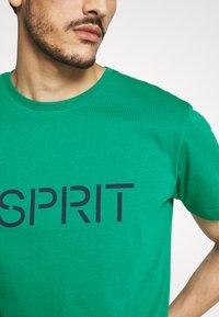 Esprit - LOGO - Print T-shirt - bottle green - 4