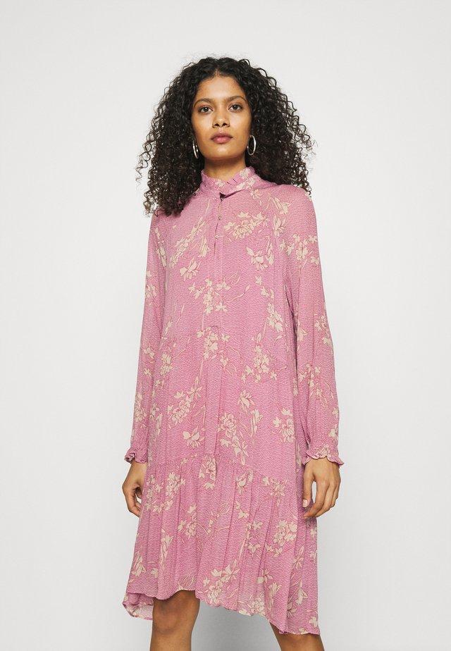 MORIES DRESS - Korte jurk - lilas
