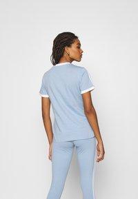 adidas Originals - TEE - Basic T-shirt - ambient sky - 2