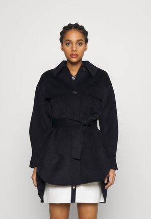 GAVINO - Klasický kabát - marine
