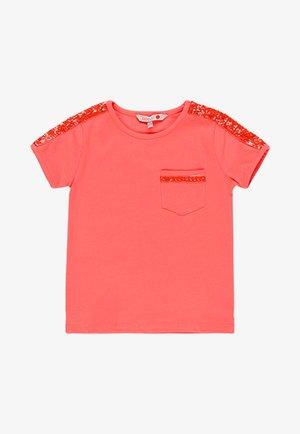 T-shirt print - light red