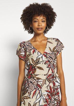GARLIJN - Maxi dress - braun