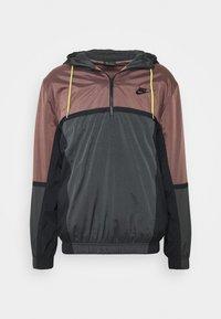 Nike Sportswear - Windbreaker - smokey mauve/dark smoke grey/black - 0