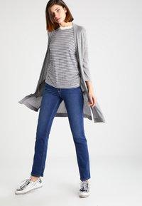 MAC Jeans - DREAM - Straight leg jeans - mid blue - 1