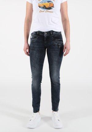 SUZY - Slim fit jeans - blau