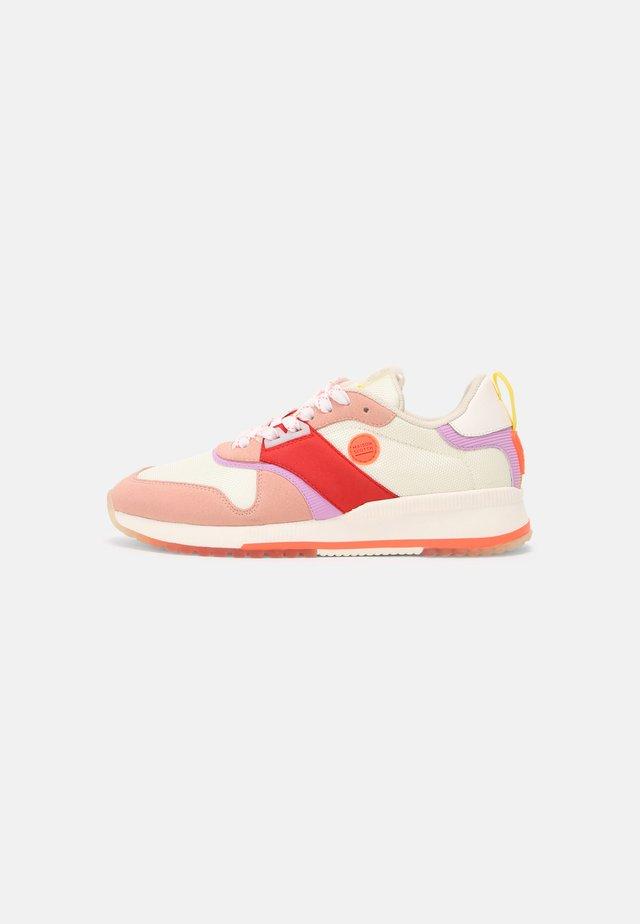 VIVI - Sneakers laag - pink