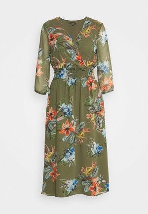 DRESS LONG - Denní šaty - new khaki/multicolor