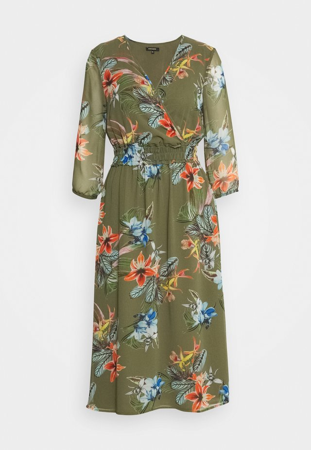 DRESS LONG - Vapaa-ajan mekko - new khaki/multicolor
