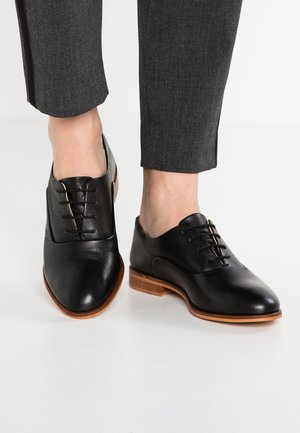 LEATHER LACE-UPS - Snörskor - black
