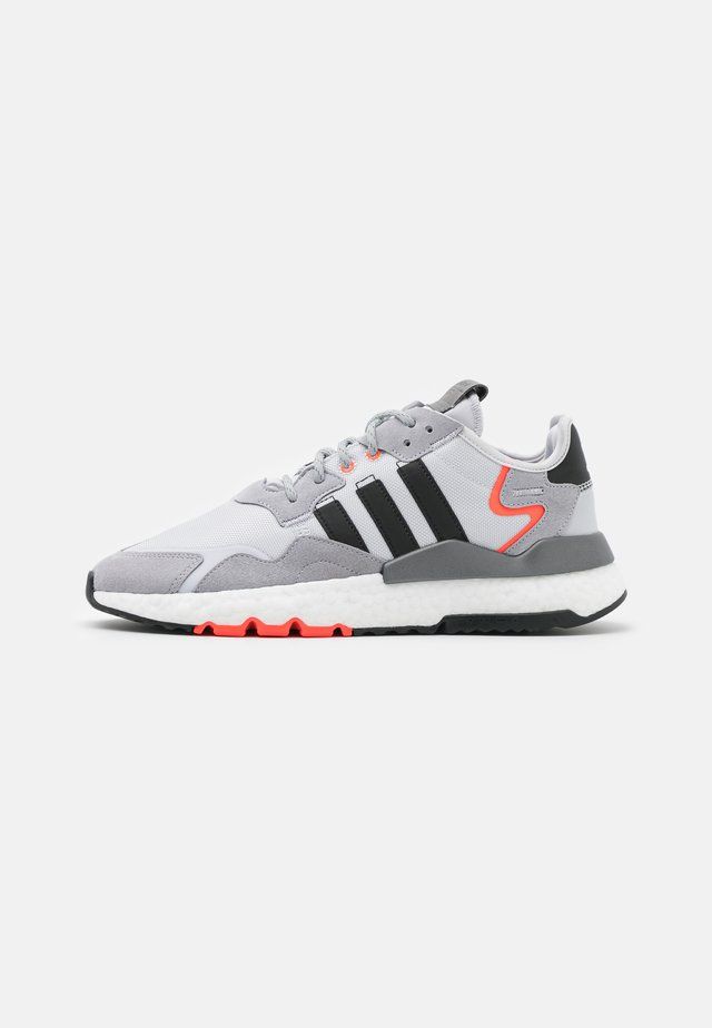 NITE JOGGER UNISEX - Trainers - dash grey/core black/silver