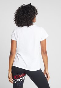 Tommy Sport - GRAPHIC FLAG TEE - Print T-shirt - white - 2