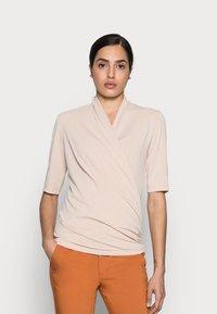 InWear - BEN BLOUSE - Print T-shirt - powder beige - 0