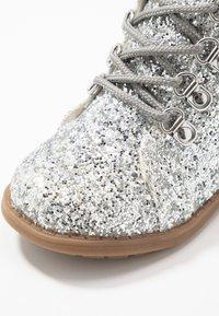 Friboo - Nauhalliset nilkkurit - silver - 2