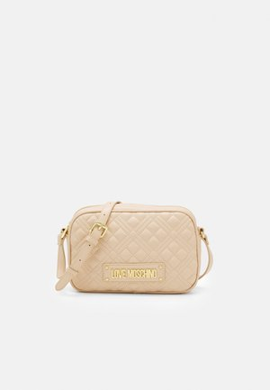 QUILTED CHAIN CAMERA BAG - Sac bandoulière - naturale/nude