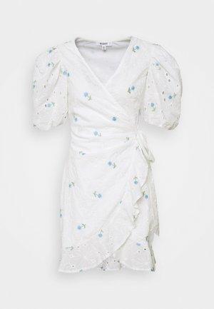 FLORAL BRODERIE PUFF SLEEVE MINI DRESS - Vestido informal - white