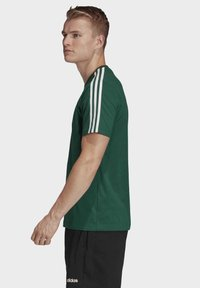 adidas Performance - ESSENTIALS 3-STRIPES T-SHIRT - T-shirts print - green - 2