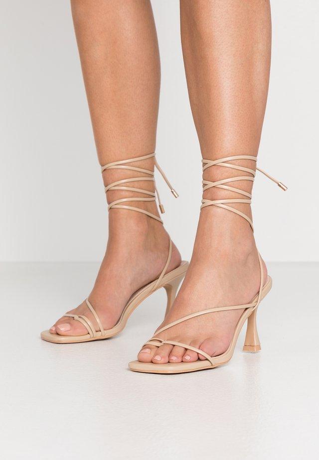 RICHIE - Sandály na vysokém podpatku - nude