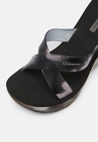 Ipanema - LIPSTICK STRAPS - Wedge sandals - black - 7