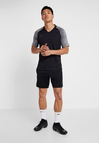 Nike Performance - DRY SHORT  - Träningsshorts - black/wolf grey/anthracite - 1