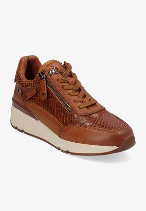 Zapatillas - marrón