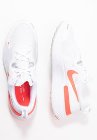 Nike Performance - REACT MILER - Neutral running shoes - white/pink glow/photon dust - 1