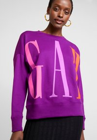GAP - EXPLODED - Sweatshirt - purple wine - 4