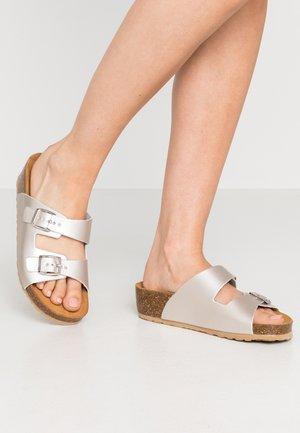 BIABETTY WEDGE BUCKLE - Slippers - silver