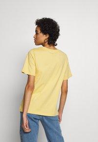 Carin Wester - SAFFI - Camiseta básica - yellow - 2