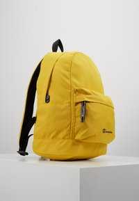 Champion - BACKPACK - Reppu - mustard yellow - 3
