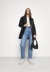 Weekday - LASH - Relaxed fit jeans - hanson blue - 1