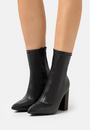 POINTED TOE SOCK BOOT - Støvletter - black