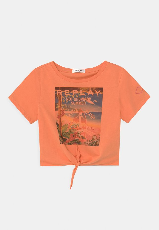 T-shirt con stampa - apricot