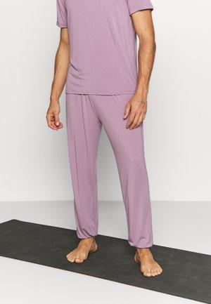 MENS LONG PANTS - Tracksuit bottoms - smoke lavender