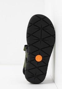 Timberland - PERKINS ROW 2 STRAP - Sandals - dark green - 5