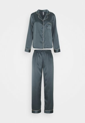 Pyjama set - nine iron