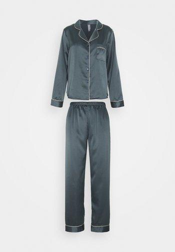 Pyjama set - nine iron