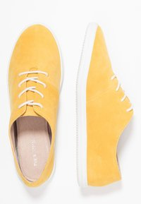Pier One - Chaussures à lacets - yellow - 3