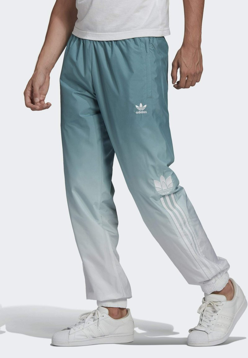 adidas Originals - ADICOLOR 3D TREFOIL 3-STRIPES OMBRÉ TRACKSUIT BOTTOMS - Tracksuit bottoms - white