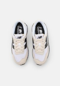 New Balance - Trainers - turtledove - 3