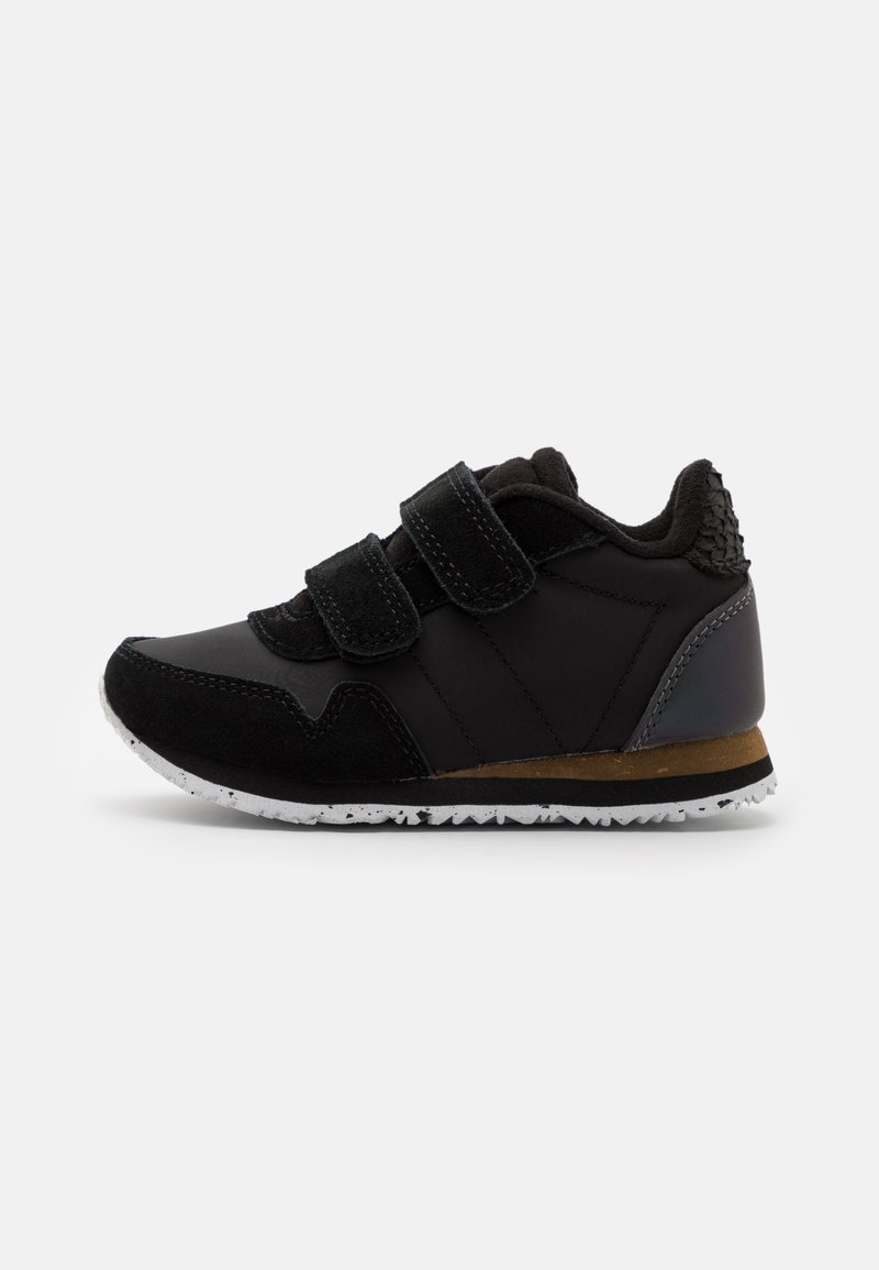Woden - Trainers - black