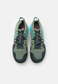 Nike Performance - WILDHORSE 6 - Zapatillas de trail running - spiral sage/beyond pink/seaweed/aurora green/light silver - 3