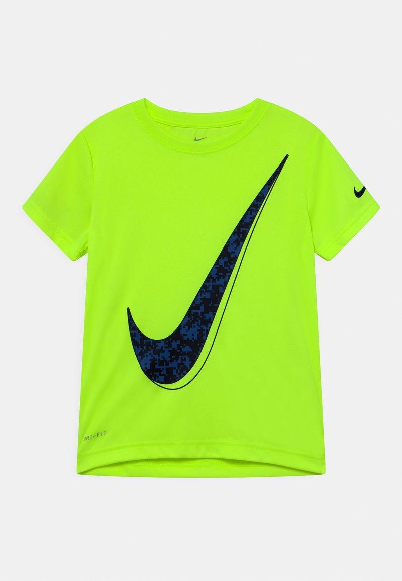 Nike Sportswear - Camiseta estampada - volt