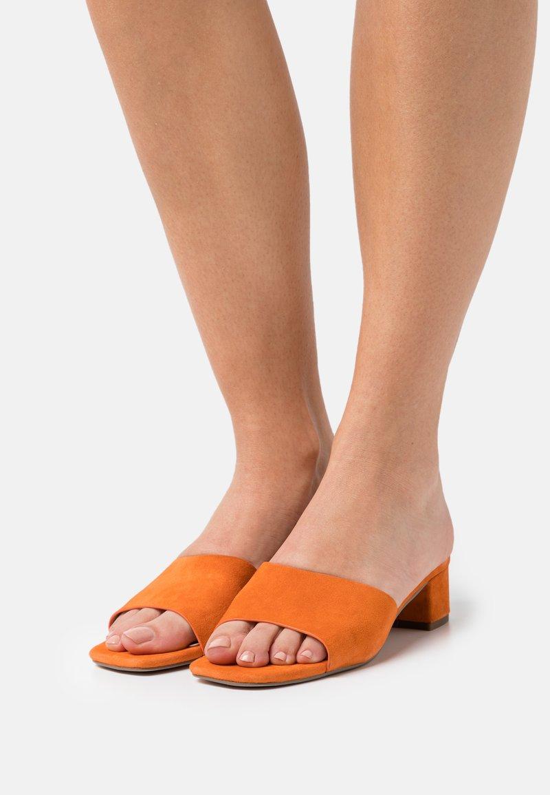Zign - Muiltjes - orange